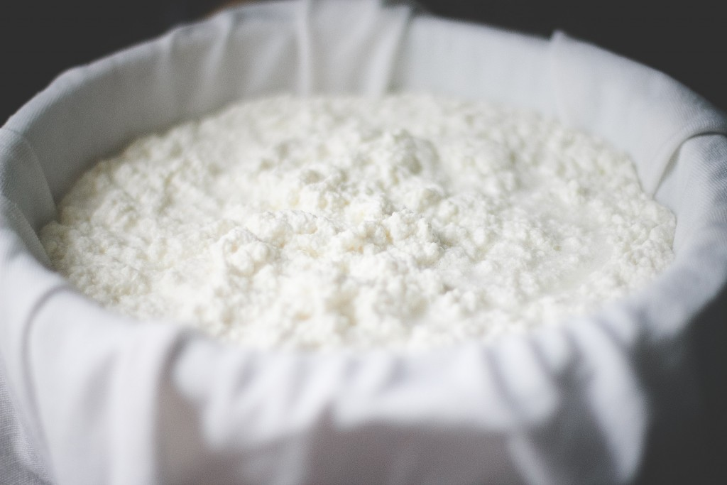 Homemade Ricotta Cheese--The Everyday Chef and Wife