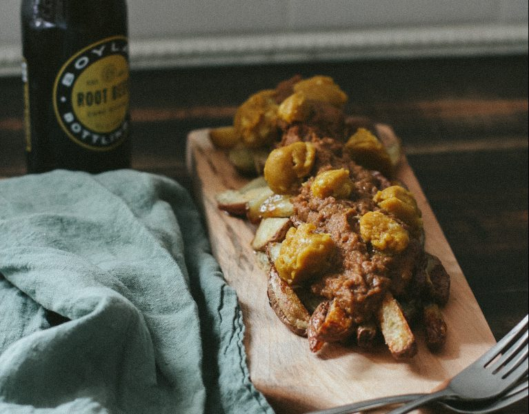 Vegan Poutine| The Everyday Chef and Wife